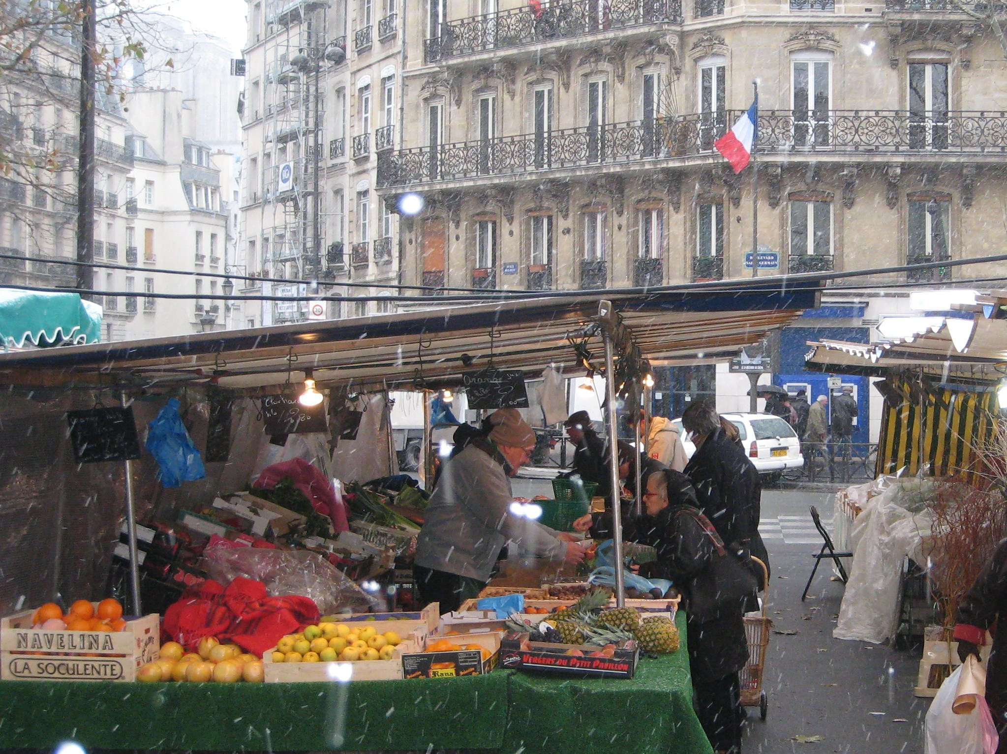 Three Days in Paris: Rue with a View