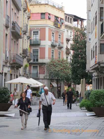 Girona street scene
