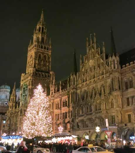 Weihnachtsmarkt at Marienplatz, Munich, Germany