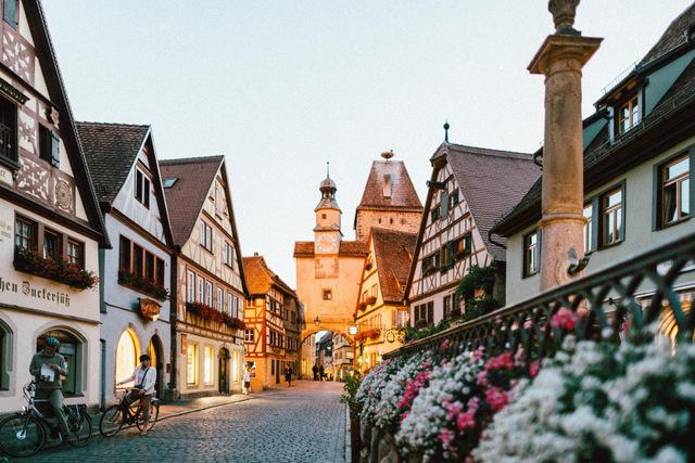 Rothenburg, Germany -- Photo by Roman Kraft on Unsplash