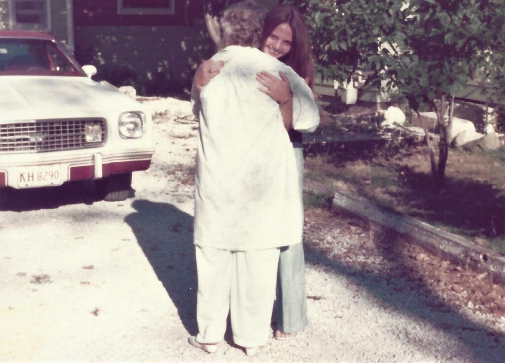 Fond farewell to Mom as my sister and I got ready to leave on trip to the West Coast