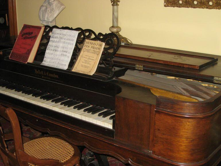 Piano in Ernest Hemingway's Birthplace Museum