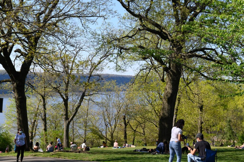Tryon Park above the Hudson River in Upper Manhattan, New York City -- photo by Barbara Nelson